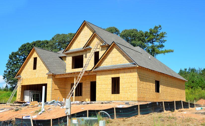 Adekwatnie z bieżącymi kodeksami świeżo budowane domy muszą być oszczędne.